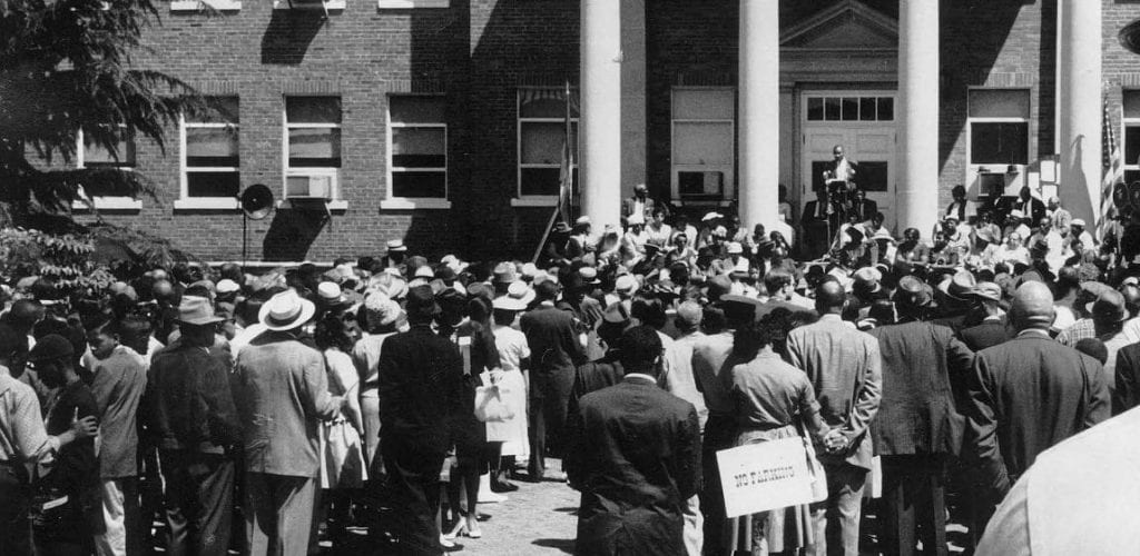 NAACP Protest Farmville Courthouse 1961 - Courtesy of the Farmville Herald