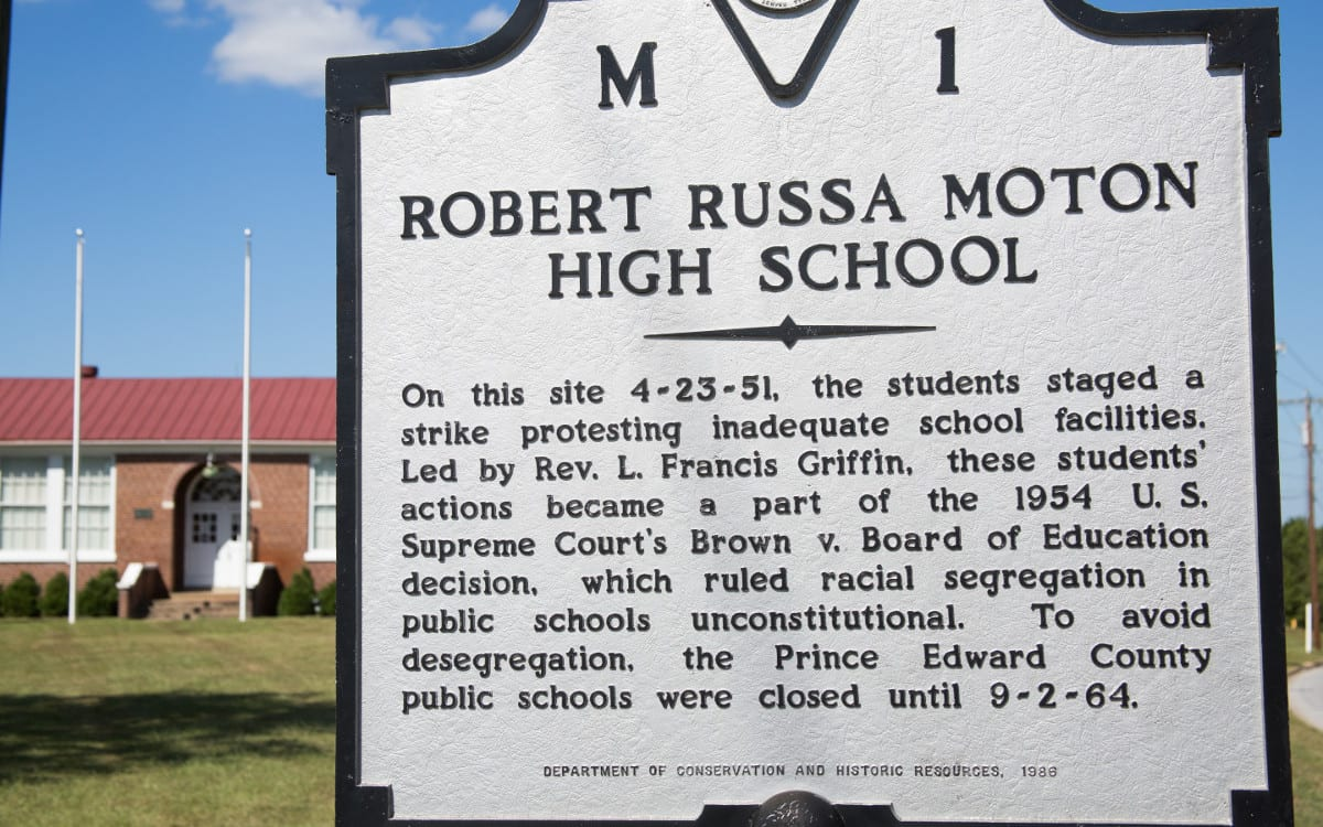 Robert Russa Moton High School - Historic Highway Marker